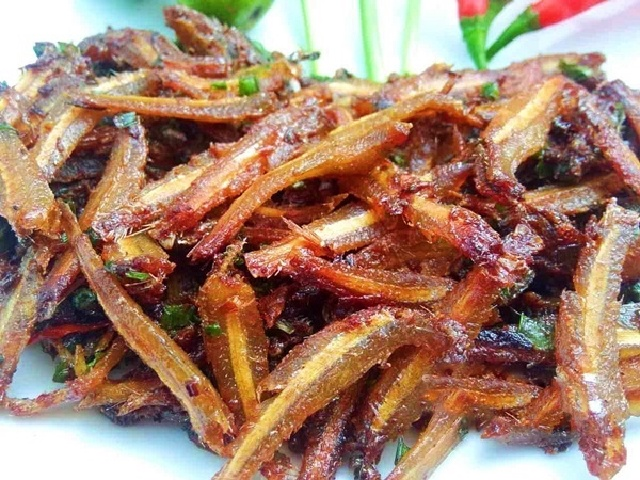 Sweet and sour roasted dried fish